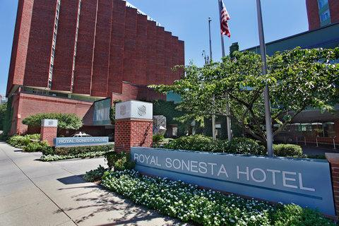 2241284-Royal-Sonesta-Boston-Hotel-Exterior-1-DEF