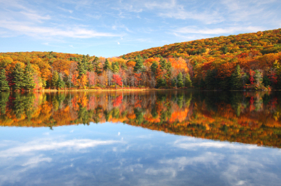 berkshires_fall_foliage_lake-405